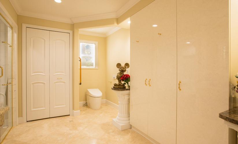 洗面脱衣室兼トイレ