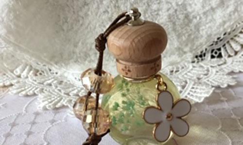 [銀座] 香のお守り