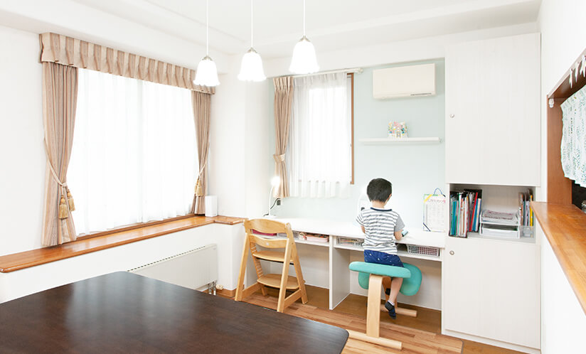 独身仕様の家から家族の住まいへ~子供の笑い声が溢れる家~
