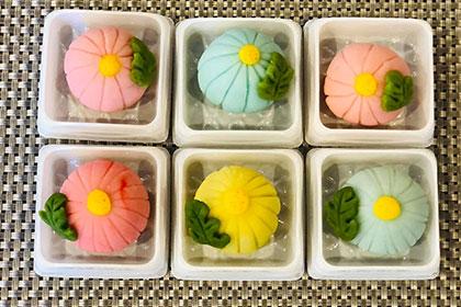 「 ぽんぽん菊 」の和菓子作りレッスン